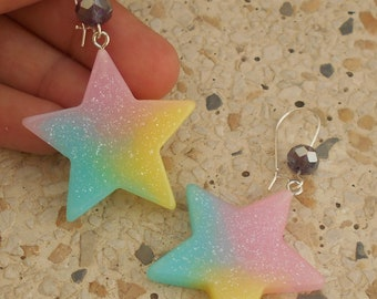 Curls and his star in resin