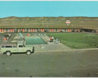 The Westwinds Motel   Rock Springs Wyoming   - Vintage Color Postcard