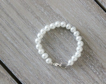Baby Bracelet, Girls Bracelet, Small Beaded bracelet, white pearl bracelet, Pearl bracelet, baby Jewelry, Toddler Jewelry, Blessing Bracelet