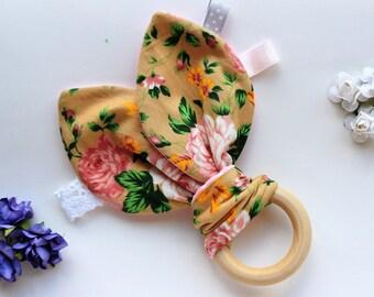 Baby teething toy, New baby girl gift, Baby girl toy, Wooden teether, Teeething ring, Teething toy, Natural teether, Girl baby shower gift