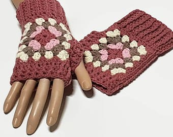Crochet Wrist Warmers, Granny Square, Fingerless Gloves, Crochet Gloves, Fingerless Mittens, wristwarmers, granny square gloves