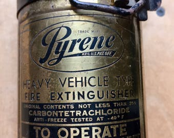Brass Fire Extinguisher/Pyrene, Original mount bracket/One Quart Hand Fire Extinguisher/Heavy Vehicle Type/onlyformejewelry/man cave decor