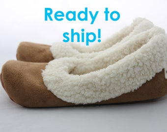 Women's Sherpa Slippers - Women's Slippers with Soles - Soft Sole Shoes Women - Chestnut Size 10