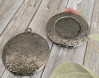 30mm Antiqued Brass Lockets, Leaf Pattern, Leaf Locket, Leaves, 18mm Bezel Lockets, Brass Lockets, Made in the US, Lockets, DIY Lockets