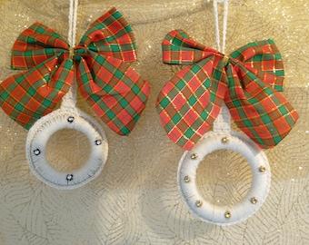 Set of two hanging decoration crocheted with ecru cotton, rhinestone, Scottish node wood rings, handmade