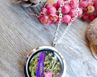 Crystal terrarium necklace for woman, real moss necklace, gift for woman, bohemian necklace, silver locket pendant, botanical jewelry,