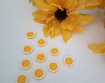 set of 10 buttons vintage plastic yellow and white 14 mm scrapbooking