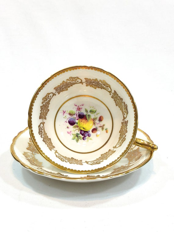 Paragon Tea Cup, Hand Painted Fruits, Gold Leaves Berries, Harvest Themed Teacup, Apple Blackberries, Vintage English Fine China