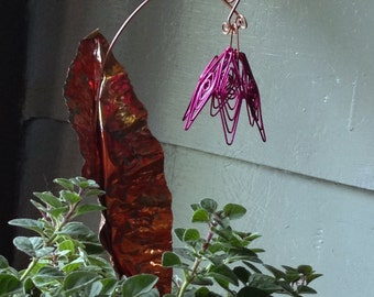 Everlasting copper flower and leaf stake for garden or home