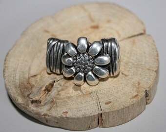Antique silver 28x19mm flower hook clasp