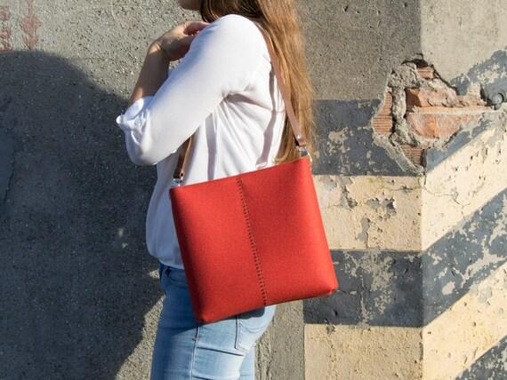 SALE - Felt small CROSSBODY BAG with leather strap / crossbody purse / small shoulder bag / orange felt bag / wool felt / made in Italy