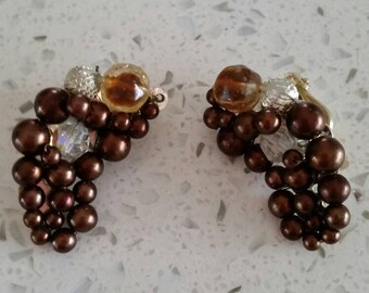 Free Shipping, Vintage Clip on earrings, brown pearl and beads, Cluster