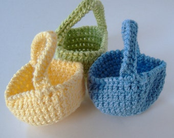 Mini Crocheted Baskets, Set of Three, Yellow Green Blue Mini Baskets, 3-inch Baskets, Ornaments, Miniature Baskets, Small Candy Dish