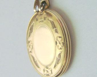 Vintage Sweetheart Engraved Gold Filled Enamel Locket / Antique Jewelry / Jewellery