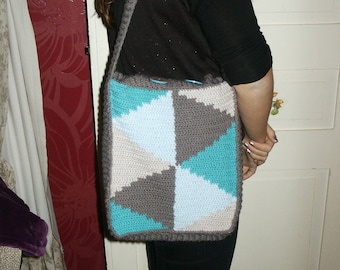 graphic pattern in Nordic style bag