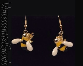 Bees Please!  Black  and Yellow  Enamel Earrings /  Gold-tone / Pierced / Vintage / Bee Jewelry