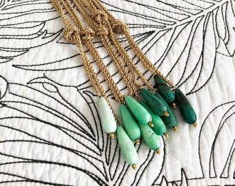 Tides Necklace / Gold and Chrysoprase Lariat Necklace / Long Gold Necklace / Green Teardrop Necklace / Teardrop Pendant / Knotted