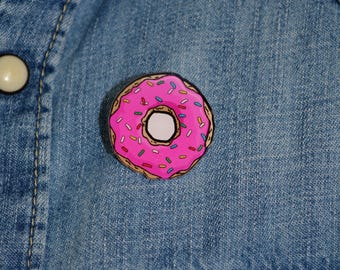 donuts pin - acrylique  laser cut pin back badge - pop art style