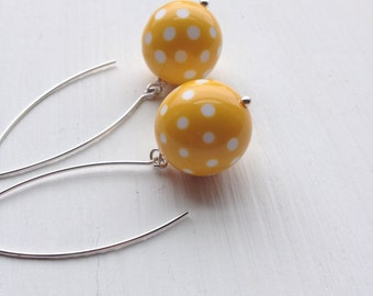 dixie earrings, yellow - vintage lucite and sterling
