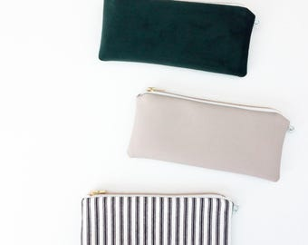 GREY PENCIL POUCH / clutch bag, make-up bag, pencil case / faux-leather + cotton black white / 3.5x8 / gold zip / la petite boite / handmade