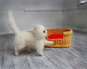 Kitten-Cute cat-Felted cats-Art Toy Woolen-Cat of wool-Needle Felted-Miniature collectable-100% merino wool