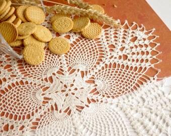 SALE 25% OFF: Large pineapple crochet doily Large lace doily White crochet doilies Table decor crochet Crochet decoration Vintage style 248