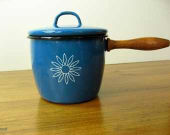 Enamelware Pot, Lidded, Bright Blue, Flower Motif
