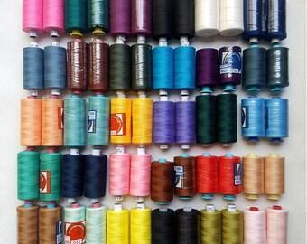 Lot No.7 - 60 bobine neuve de fil à coudre machine ou couture main - couleur 1000Y