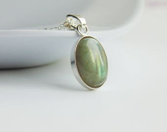 Oval green grey labradorite gemstone pendant sterling silver chain necklace