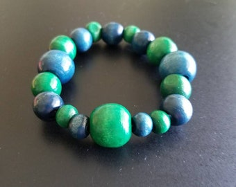Wooden bead bracelet, green and blue, stretch