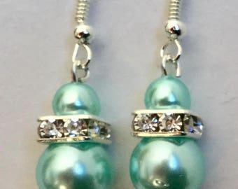 Green water earrings pearls and Swarovski/Boucles oreilles perles vert eau nacrées , rondelle strass Swarovski