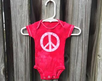 Peace Sign Baby Gift, Peace Sign Baby Bodysuit, Red Peace Bodysuit, Baby Shower Gift, Neutral Baby Gift, Preemie Baby Bodysuit (Newborn)