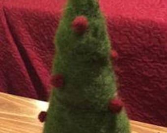 simple felted christmas tree