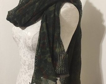 Camouflage net scarf