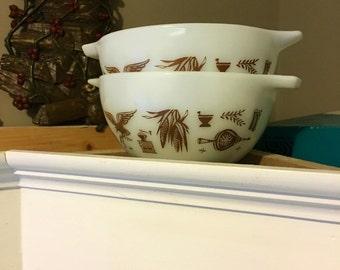Pyrex Early American Cinderella Bowls
