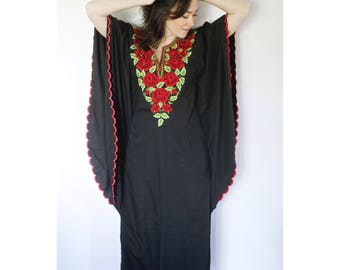 Vintage Rose Kaftan | Embroidered Roses on Black