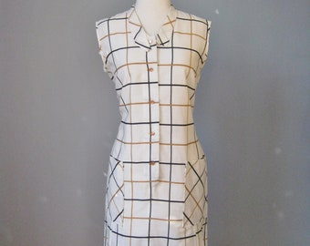 Sleeveless Summer Dress / Vtg 60s / Large Check Pattern lightweight summer dress