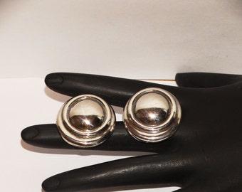 """Vintage Gorgeous Sterling 1"""" Diameter Earrings. 8 grams weight."""