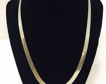 """Vintage 20"""" Silver Toned Herringbone Chain Necklace"""