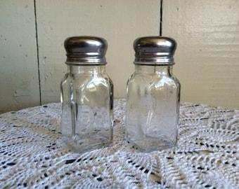 Vintage Restaurant Salt and Pepper Shakers set