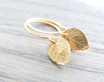 Gold leaf Earrings Nature earrings Tiny Gold Leaves Earrings Gold Earrings tiny leaf earrings Leaf Earrings Dainty Everyday Earrings
