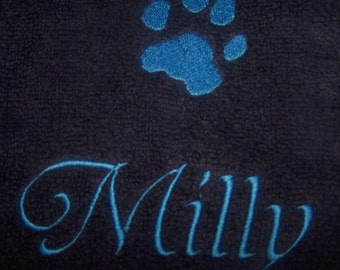 Personalised embroidered Dogs Paw bath towel (100% cotton)
