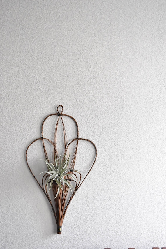vintage boho wall hanging woven wicker heart basket / wall pocket planter / farmhouse decor