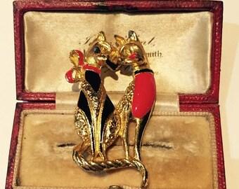 Vintage Cat brooch, fantastic Costume piece