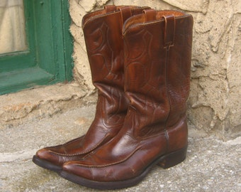 Mens 9 D or 8.5 E Cowboy Boots Vintage 70's Pointy Toe Chestnut Brown