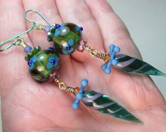 Pfau, gestreift-Dot Florals und Feldwegen handgefertigte Murano Glas Perlenohrringe von Patti Cahill