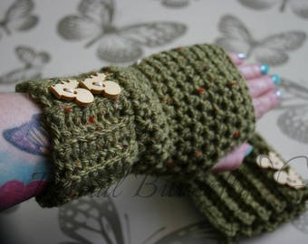 FREE P+P Stylish Tweed Fingerless gloves Wrist Warmers Hand Crocheted