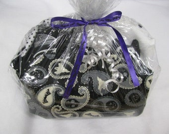 Bat Lovers Deluxe Gift Bag - Perfect for birthdays, Halloween or Christmas presents!