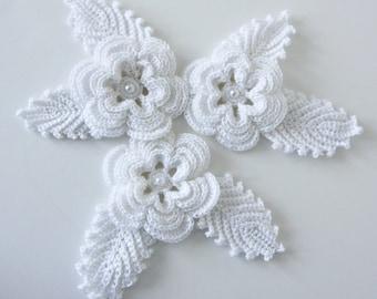 Fleurs au crochet et appliques feuilles avec verre perle Accents