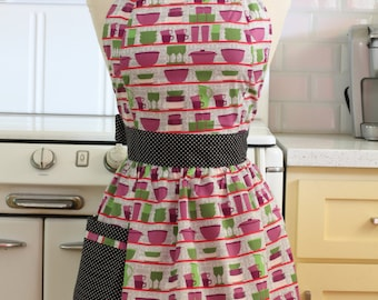 Retro Apron Green and Purple Dishes on White CHLOE